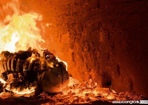 Hỏa thiêu lấy nguyên xương