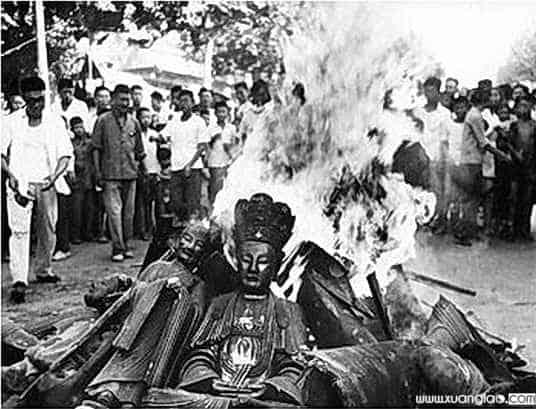 Phá hủy tượng Phật