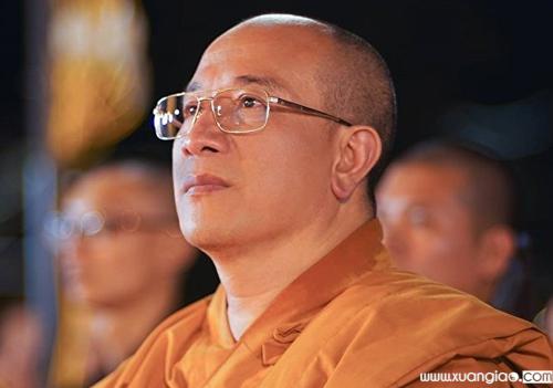 Đại đức Thích Trúc Thái Minh, trụ trì chùa Ba Vàng. Ảnh: Viết Tuân