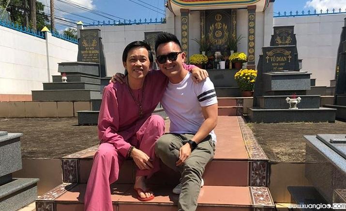 Hai bố con Ns Hoài Linh