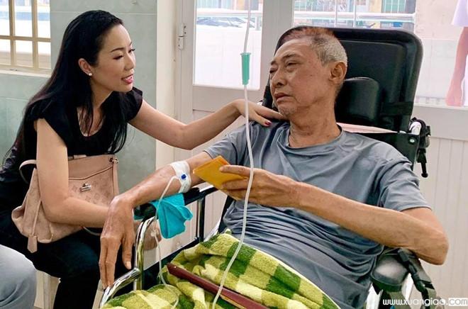 Kim Chi, Kiều Trinh, Quốc Thuận bùi ngùi khi nghe tin người anh trong nghề qua đời.