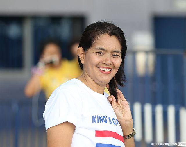 Nasovak – một nữ công nhân khoảng ngoài 30 tuổi cho biết cô không có gì phải buồn khi Thái Lan thua trận