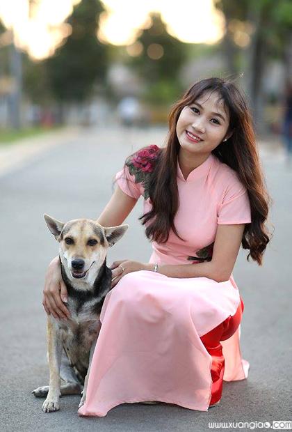 Sinh ra trong hoàn cảnh bất hạnh nhưng Trang luôn sống lạc quan và không bao giờ thấy mình khổ. Đối với cô gái trẻ này lạc quan là chìa khóa để cô sống vui vẻ, thành công trong những năm qua.