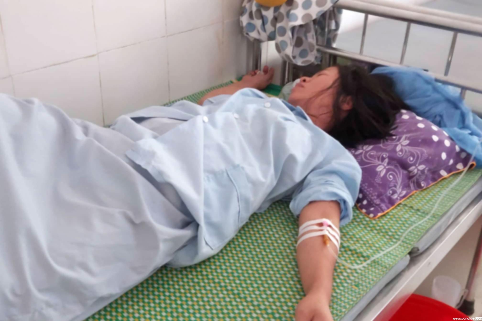Sản phụ Tình đang phải điều trị tại Bệnh viện ĐK Đức Thọ