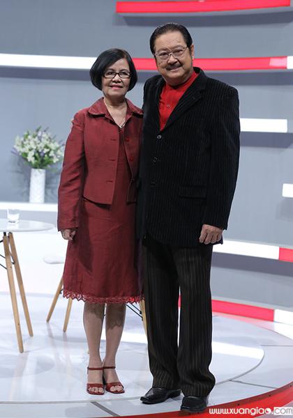 Chánh Tín và vợ - ca sĩ Bích Trâm - đi quay show năm 2018. Ảnh: ĐT.