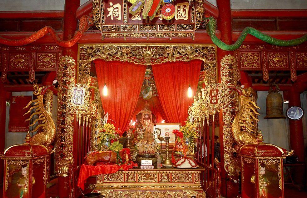 Cận cảnh bàn thờ Quốc mẫu Tây Thiên (Ảnh: TL)